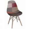 Stuhl im nordischen Patchwork-Design